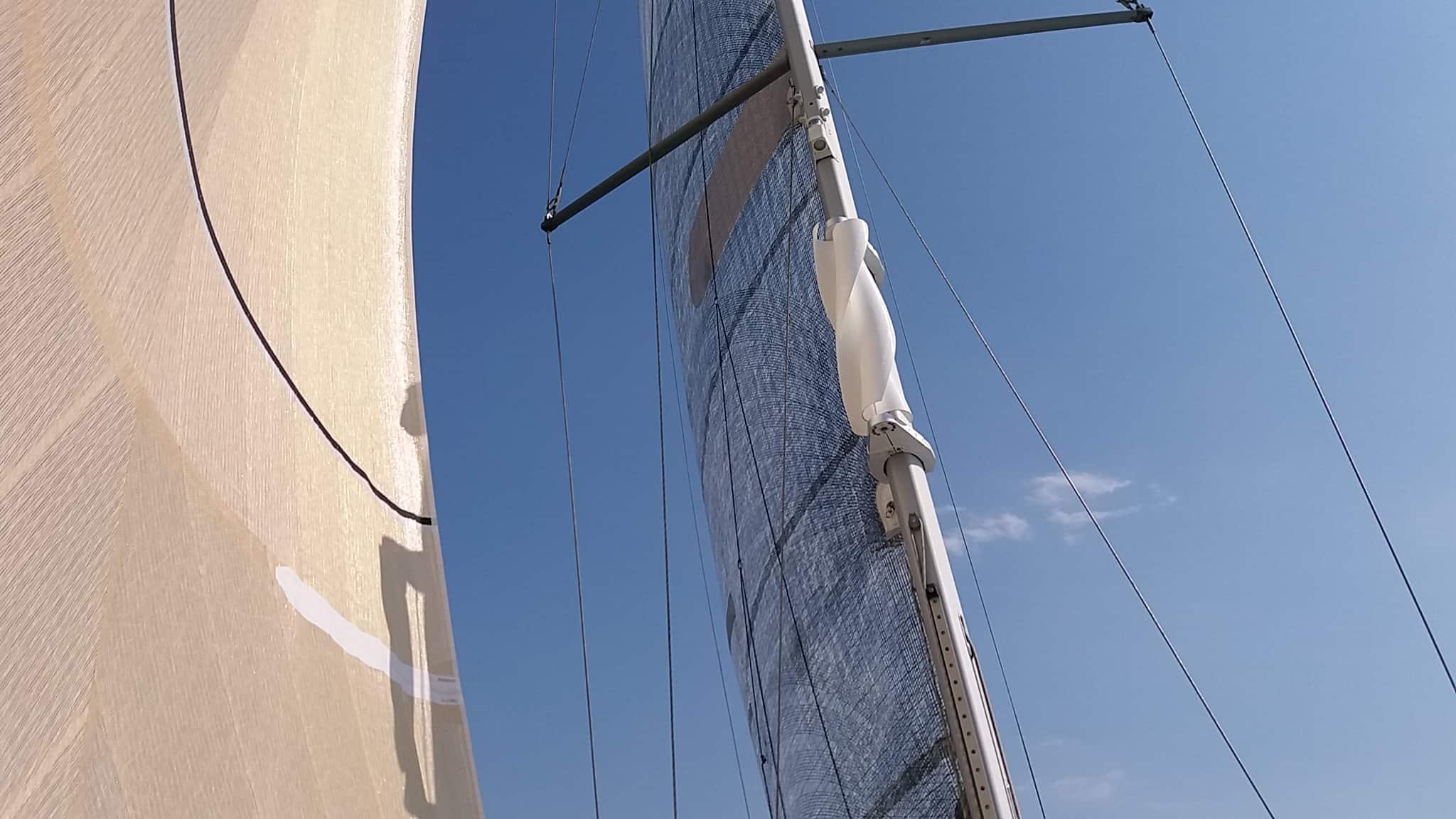 Eolienne verticale sur mat